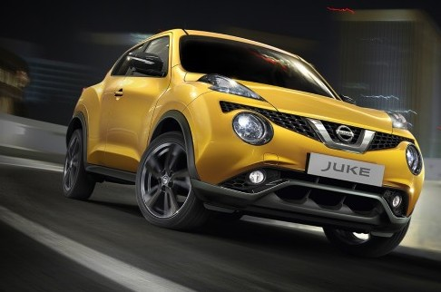 Effettuiamo la Sostituzione del Filtro Gasolio della Nissan Juke
