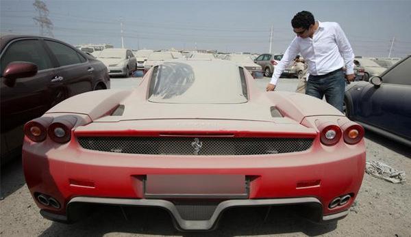 Asta delle Auto Abbandonate a Dubai