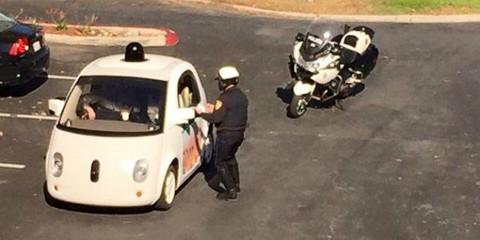 La Google Car Viene Multata!