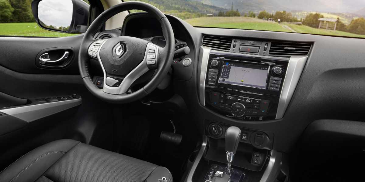interni del Renault Alaskan