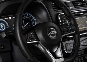 Nuova Nissan LEAF gli Interni e il cruscotto