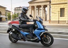 BMW Motorrad 2018 pubblica il nuovo listino prezzi compreso di dotazione di serie ed optional