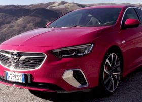 Nuova Opel Insignia GSi Grand Sport, uno sguardo al futuro
