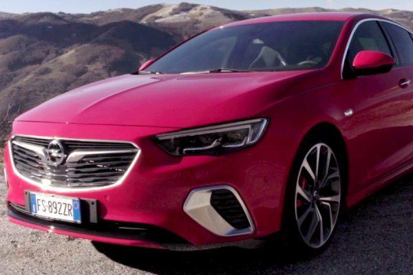 Nuova Opel Insignia GSi Grand Sport